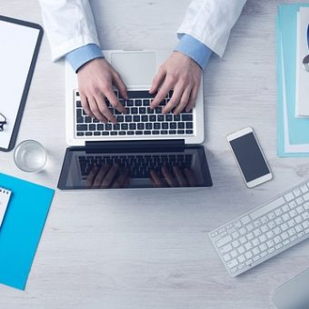 Hoe hoog leg ik de premie van mijn zorgverzekering?